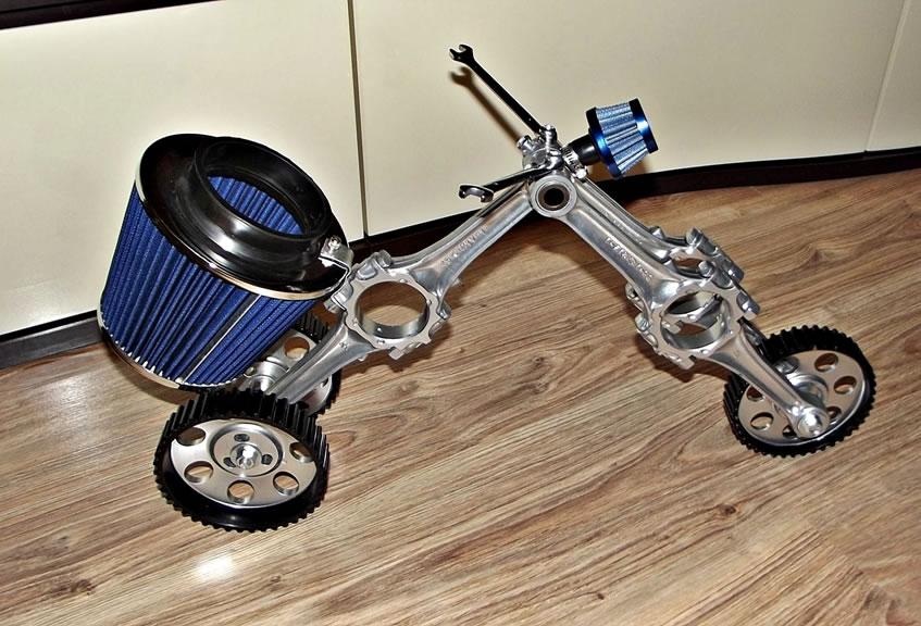 Rowerek z części samochodowych