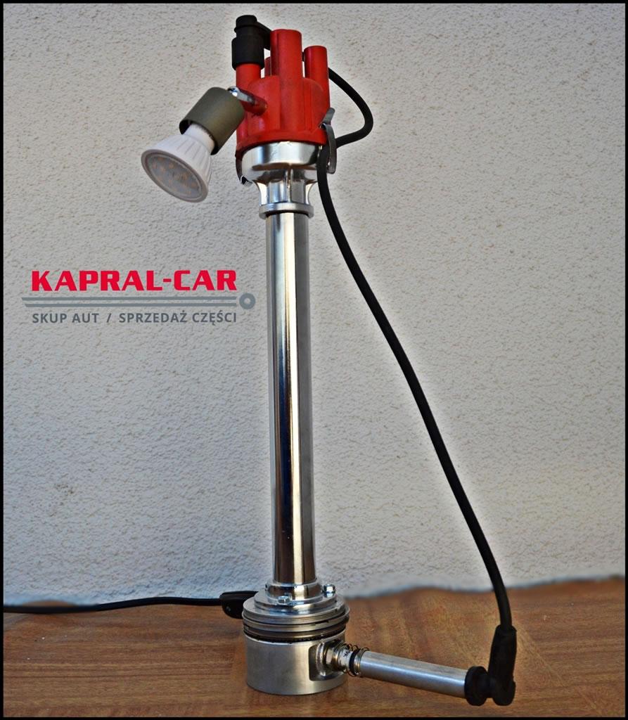 Lampka biurkowa z części samochodowych